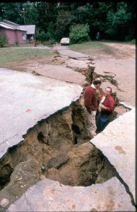 FEMA_-_264_-_Photograph_by_FEMA_News_Photo_taken_on_10-01-1989_in_California