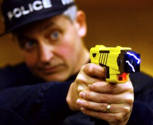 taser-cop